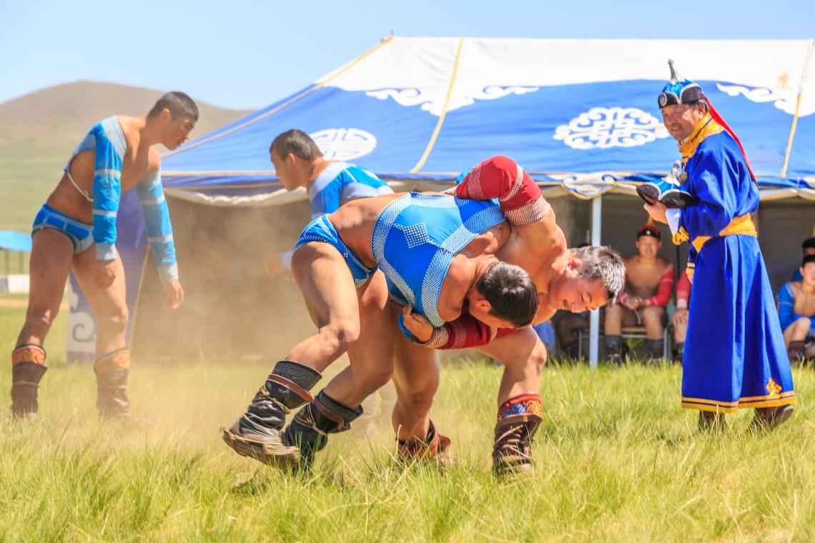 Mongolian Wrestling (1)